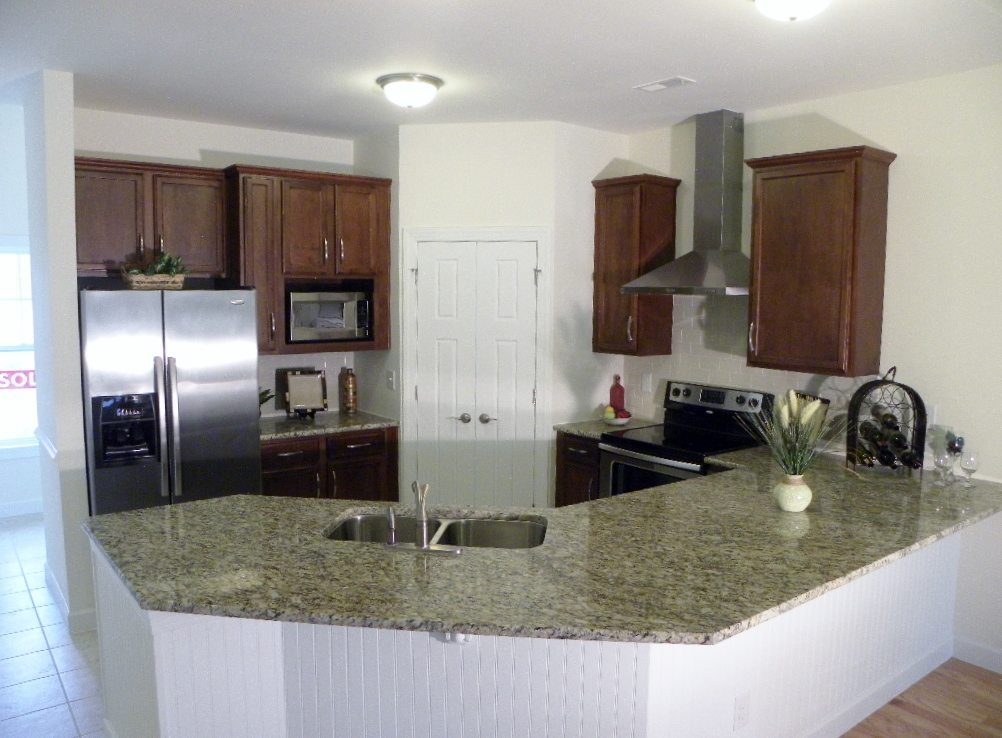 stainless appliances and range exhaust